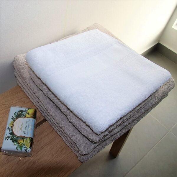 Badehåndklæde hvid Arosa Design