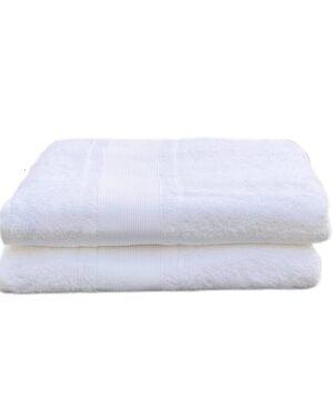 Smukke hvide badehåndklæder fra finehome der udstråler renhed