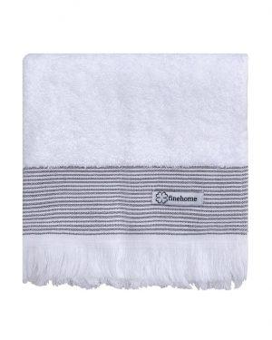 hvide badehåndklæder med frynser i smukt design fra finehome