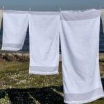 Hvidt laekkert håndklæde med frynser fra finehome