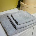 grå håndklæder i 40x60, 50x100 og 70x140 fra finehome, Arosa Design
