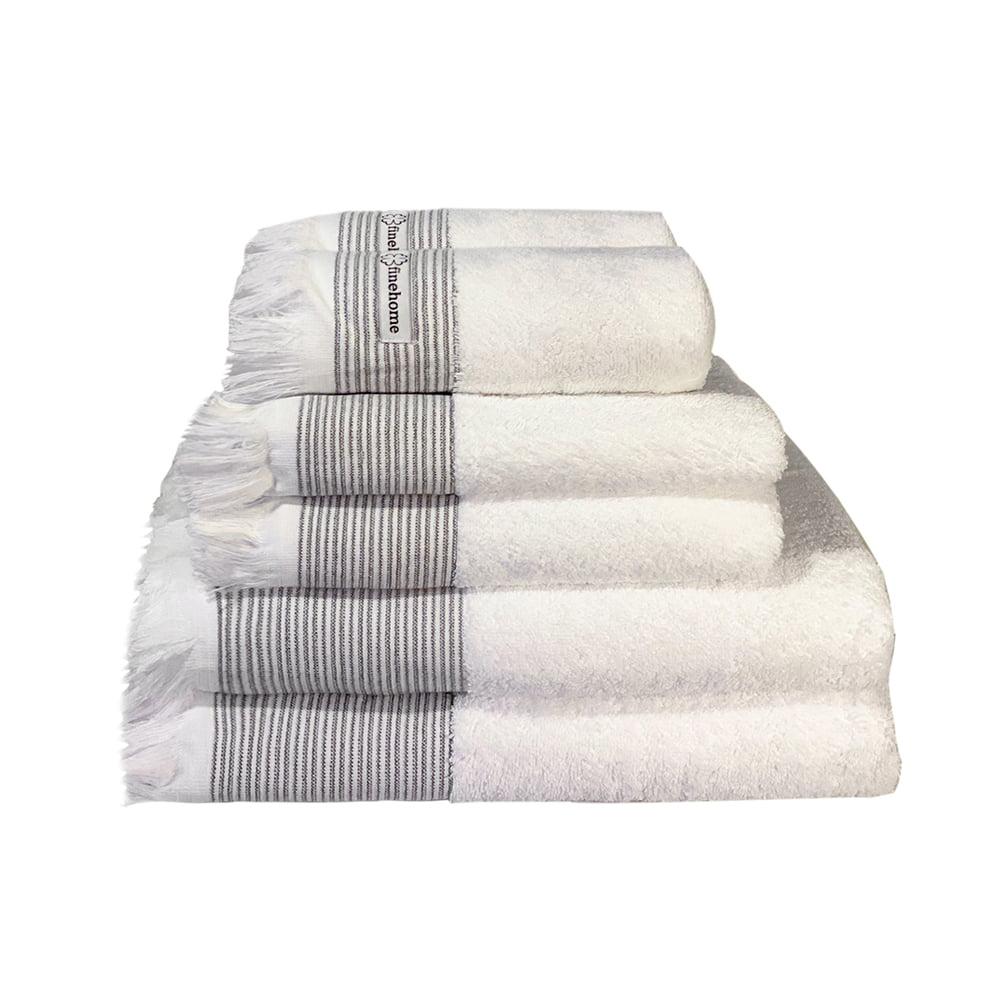 Hvide Cenon Design håndklæder fra finehome med frynser og lette striber