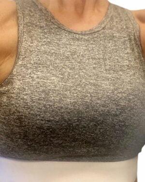 Gym Fitness Yoga Top med indlaeg i graa og hvid