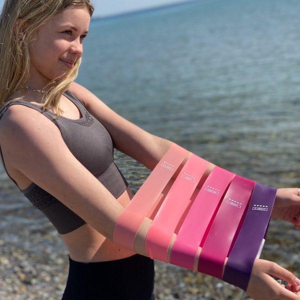 5 træningselastikker i forskellige niveauer fra finehome