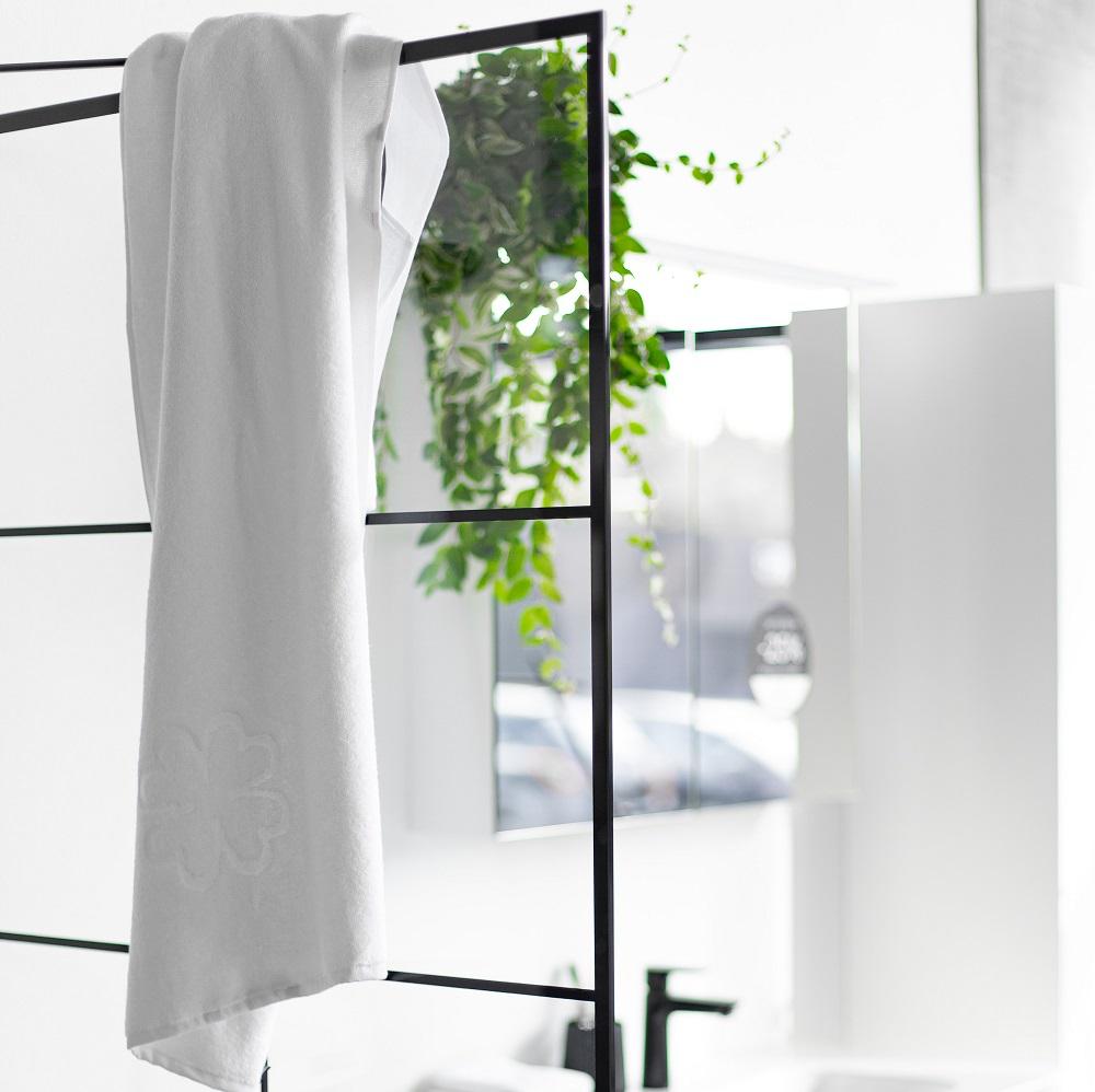 hvide badehåndklæder i økologisk bomuld fra finehome