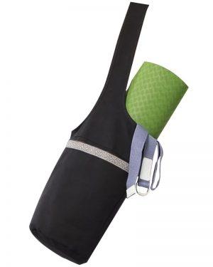 yoga taske og kanvastaske i sort til at tage over skulderen med plads til nøgler og vandflaske