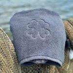 Organic towel mørkegrå luksus håndklæde med logo