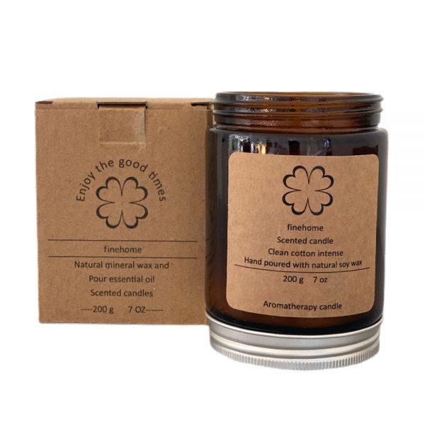 Eksklusivt 200 gram duftlys i glas med 40 brændetimer fra finehome