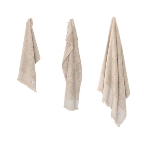 Smukke beige håndklæder i 3 forskellige størrelser